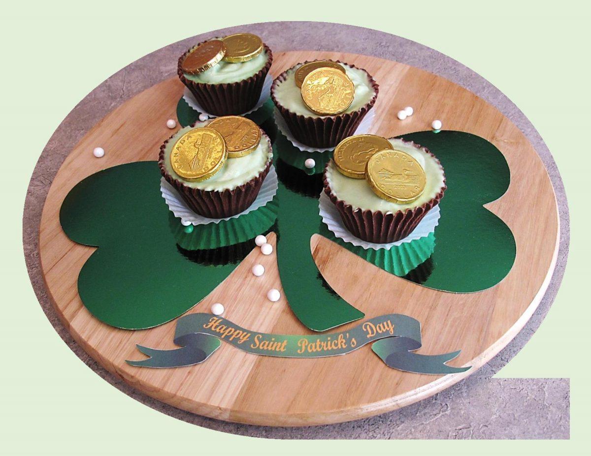 Irish Cream Cheesecake in Chocolate Cups